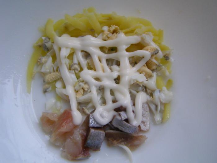 Тарталетки из картофеля с селедкой