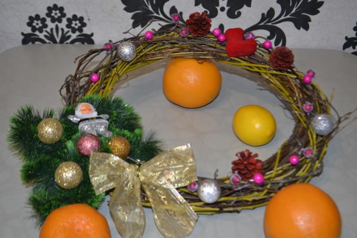 Рождественский венок на дверь или стол своими руками
