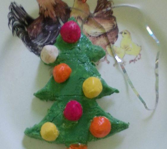 Новогодняя елка из соленого теста