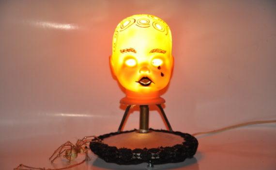 Страшный светильник на Хэллоуин - Светящаяся голова
