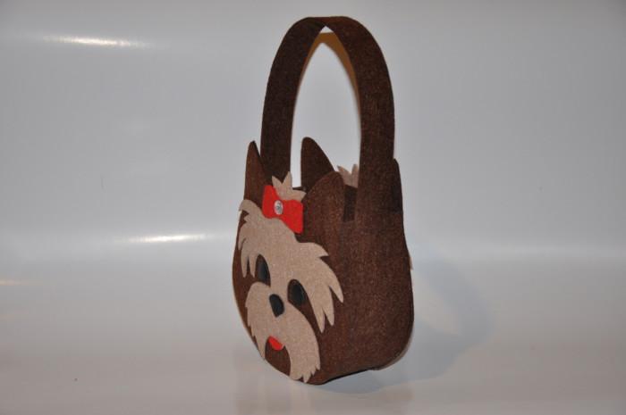 41161a705131 Сумка из фетра для новогодних подарков - как сшить сумку из фетра ...