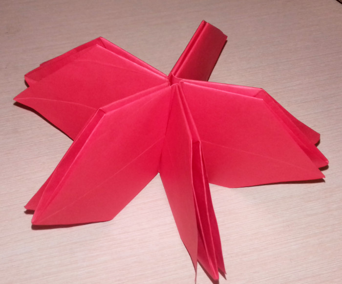 Объемная оригами-звезда из бумаги