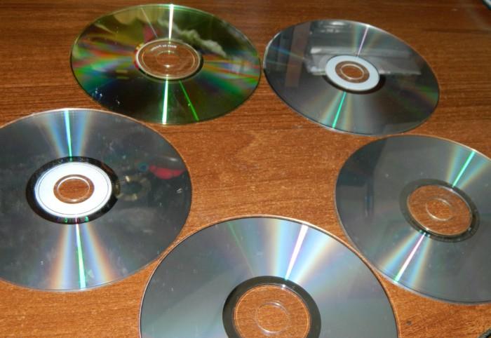 Новогодние часы из сд-дисков своими руками