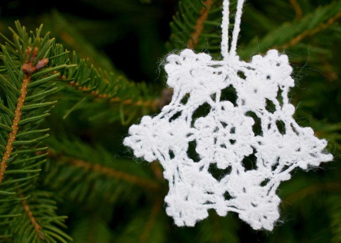 Простая и красивая снежинка крючком