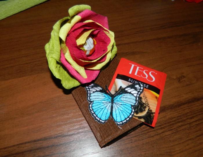 Подарок из шоколадок - как красиво украсить шоколадку своими руками