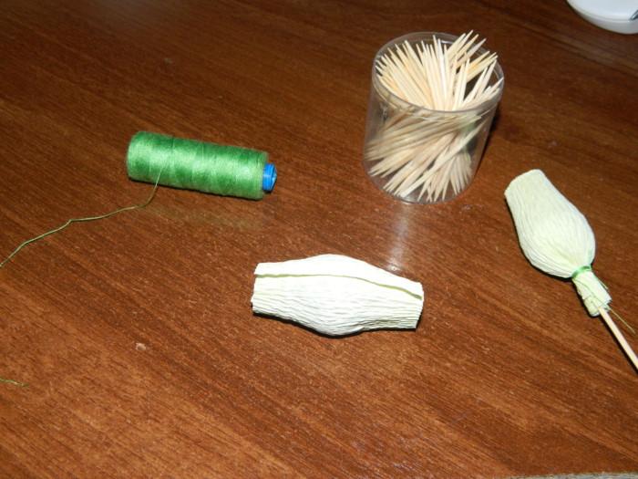 Подснежники из бумаги с конфетами