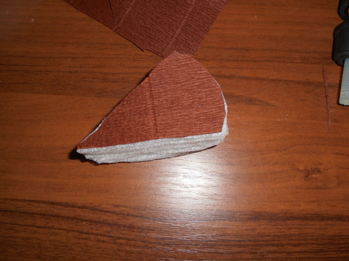 Конфеты в подарочной упаковке - как сделать кусок торта из бумаги