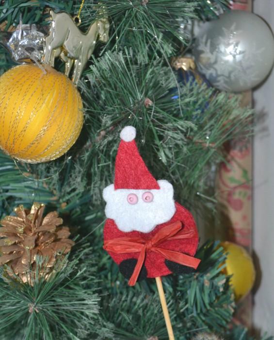 Поделка Дед Мороз из фетра на шпажках