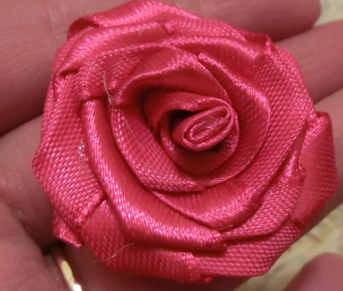 Розы сделанные своими руками из атласной ленты 88