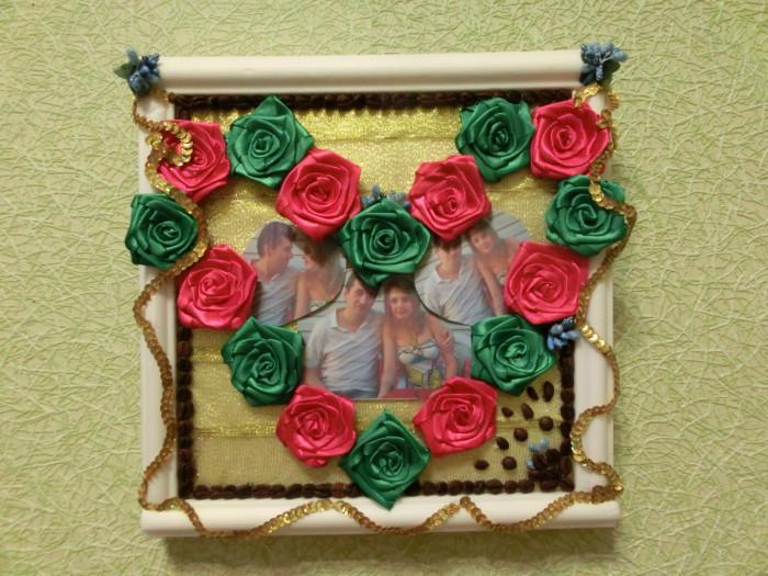 Фото-картина в рамке из атласных лент - подарок на день влюбленных